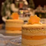 Mango mousse minicake