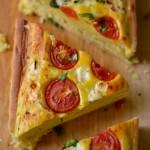 Torta salata con formaggio di capra, pomodori e basilico per Re-cake 2.0