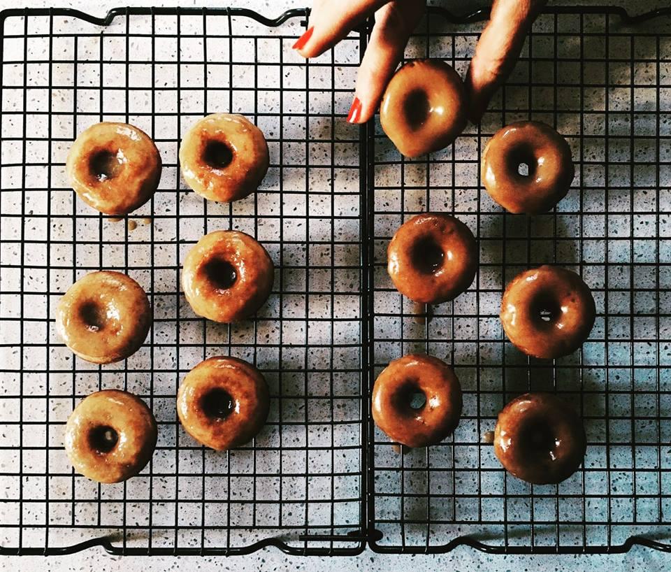 Ricetta Donuts Con Piastra Elettrica.Maple Mini Donuts In The Mood For Pies