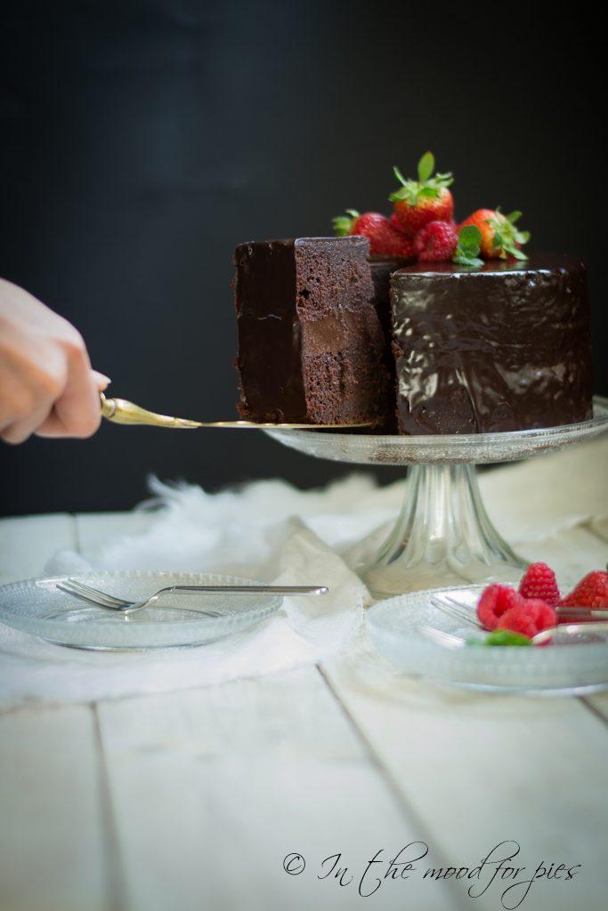 betroot cake taglio fetta-1