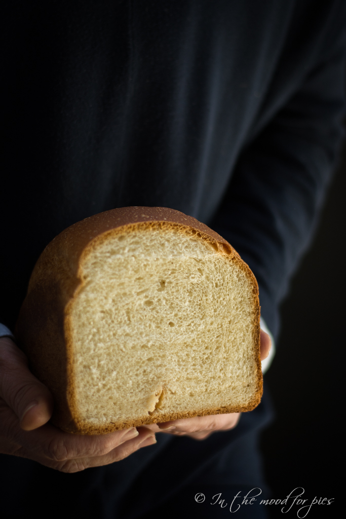 Pane nelle mani