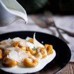 Gnocchi di zucca con salsa al parmigiano reggiano